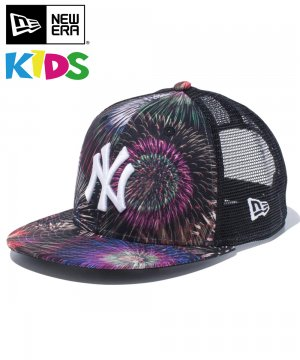 <img class='new_mark_img1' src='https://img.shop-pro.jp/img/new/icons61.gif' style='border:none;display:inline;margin:0px;padding:0px;width:auto;' />Kid's Youth 9FIFTY トラッカー 花火 ニューヨーク・ヤンキース / オールオーバープリント [12325517]