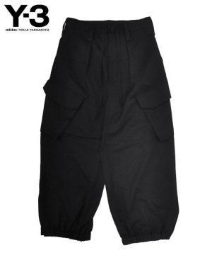 <img class='new_mark_img1' src='https://img.shop-pro.jp/img/new/icons5.gif' style='border:none;display:inline;margin:0px;padding:0px;width:auto;' />Y-3 W CLASSIC REFINED WOOL STRETCH CARGO PANTS / ブラック [GV2794]