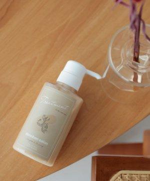≪頭皮に潤いを与え、さらっとした指通りのスキャルプトリートメント≫ Scalp & Hair Refining Treatment 300g