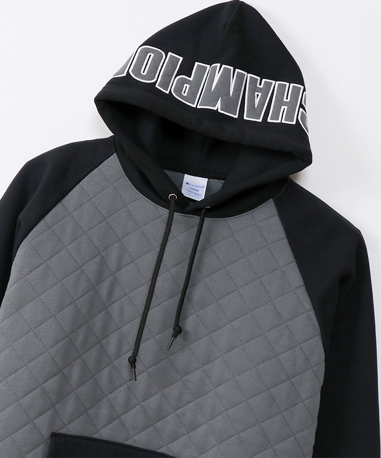 <img class='new_mark_img1' src='https://img.shop-pro.jp/img/new/icons5.gif' style='border:none;display:inline;margin:0px;padding:0px;width:auto;' />QUILT PULLOVER HOODIE / ブラック [C3-U109]
