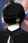 <img class='new_mark_img1' src='https://img.shop-pro.jp/img/new/icons43.gif' style='border:none;display:inline;margin:0px;padding:0px;width:auto;' />VINTAGE  FELT HAT WITH RHINESTONE (BLK)