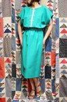 <img class='new_mark_img1' src='https://img.shop-pro.jp/img/new/icons43.gif' style='border:none;display:inline;margin:0px;padding:0px;width:auto;' />80'S Leslie Fay BI-COLOR FRENCH SLEEVE DRESS WITH BELT (GRN・MADE IN USA)
