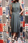 <img class='new_mark_img1' src='https://img.shop-pro.jp/img/new/icons43.gif' style='border:none;display:inline;margin:0px;padding:0px;width:auto;' />50'S STRIPE COTTON NEP BACK BUTTON SLEEVELESS DRESS (GRN/BLE/WHT)