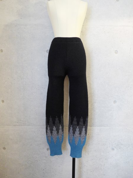 yuumi ARIA KNIT PANTS COL.BLACK<img class='new_mark_img2' src='//img.shop-pro.jp/img/new/icons23.gif' style='border:none;display:inline;margin:0px;padding:0px;width:auto;' />