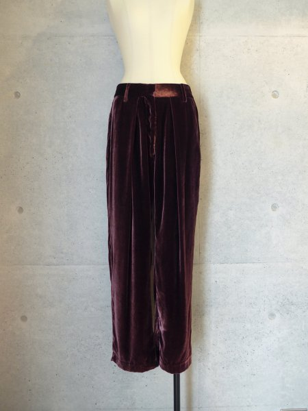 UNUSED UW0610 VELVET TROUSERS COL.BURGUNDY SIZE/00/0<img class='new_mark_img2' src='//img.shop-pro.jp/img/new/icons23.gif' style='border:none;display:inline;margin:0px;padding:0px;width:auto;' />