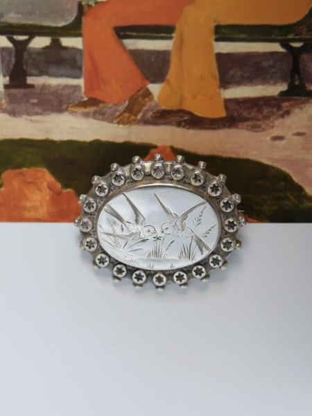 ANTIQUE VICTORIAN BROOCHES