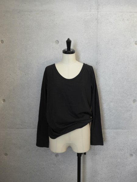 AURALEE SEAMLESS ROUND NECK L/S TEE COL.BLACK SIZE/0/1<img class='new_mark_img2' src='//img.shop-pro.jp/img/new/icons23.gif' style='border:none;display:inline;margin:0px;padding:0px;width:auto;' />