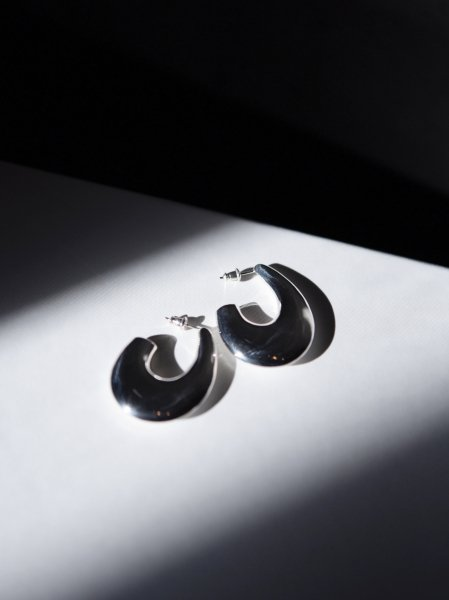 R.ALAGAN PALE MOON EARRING