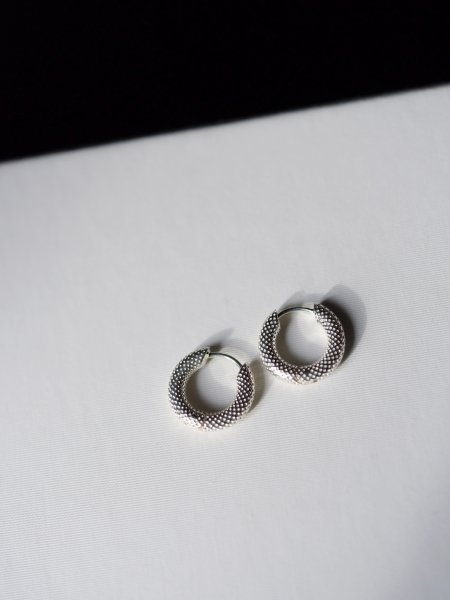 R.ALAGAN TINY DOT HOOPS / SILVER