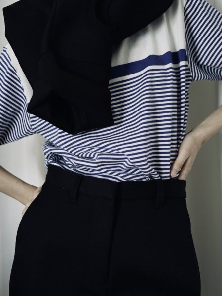 UNUSED HALF SLEEVE BORDER TEE COL.WHITE×BLUE SIZE/00/0<img class='new_mark_img2' src='https://img.shop-pro.jp/img/new/icons23.gif' style='border:none;display:inline;margin:0px;padding:0px;width:auto;' />