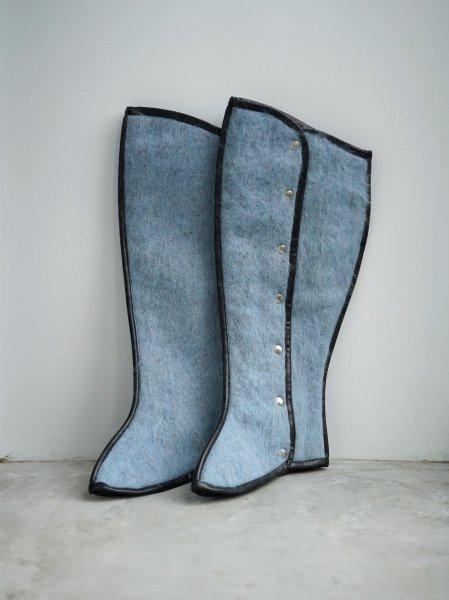 FUMIKA_UCHIDA MOHAIR SHAGGY LEG-COVER COL.SAXBLUE