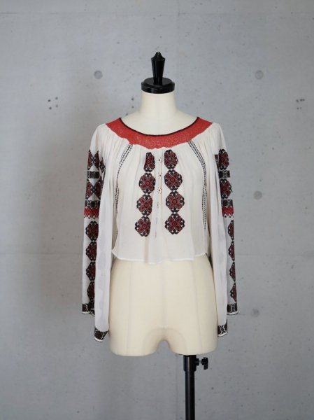 VINTAGE EMBROIDERY SILK BLOUSE