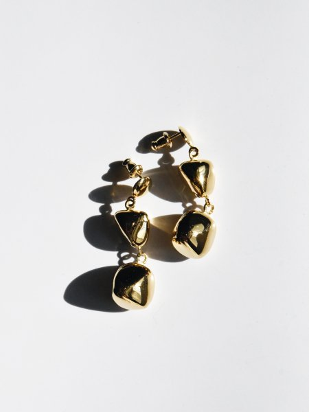 R.ALAGAN DOUBLE AWKWARD BALL EARRINGS / GOLD