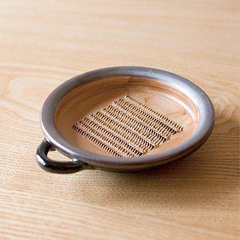 陶器のおろし皿