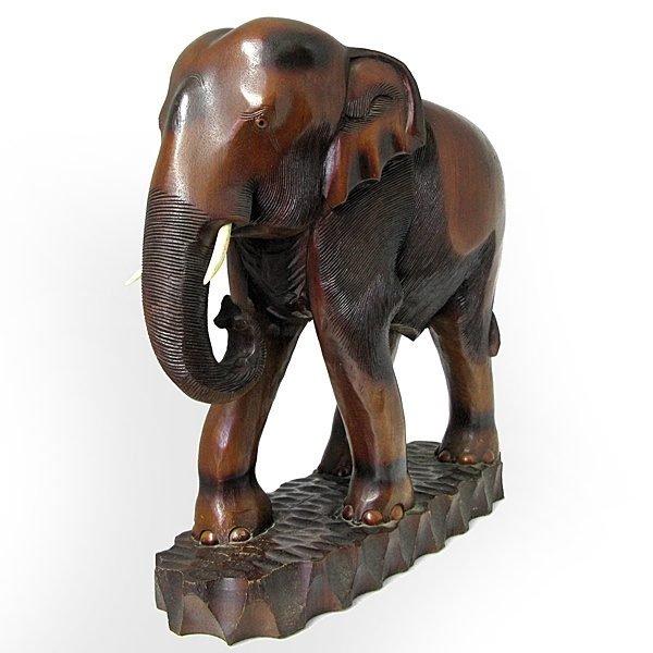 木彫り象の置き物