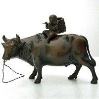 十牛図『騎牛帰家』置物