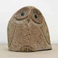 フクロウ・石の置物