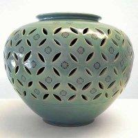 青磁・透かし・花瓶