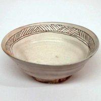 高麗陶房・宮岡英夫・彫粉引・茶碗