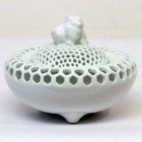 有田焼・玉泉・白磁透し彫り・香炉