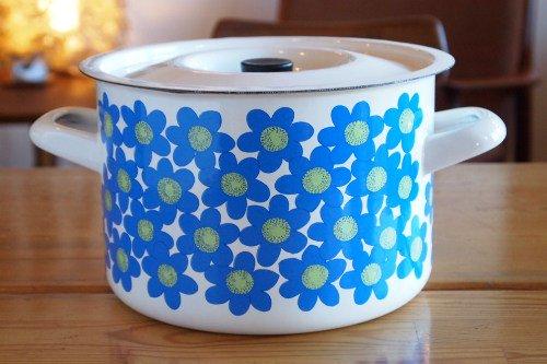 FINEL Sinivuokko Casserole Esteri Tomula/フィネル エナメル 青い花の両手鍋