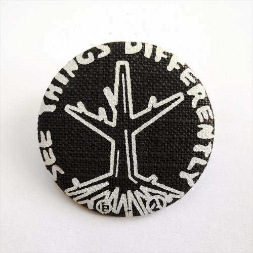 ACT / ROOTS BADGE - BLACK