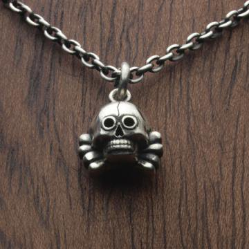 CATANA / MICRO DEATH HEAD Necklace