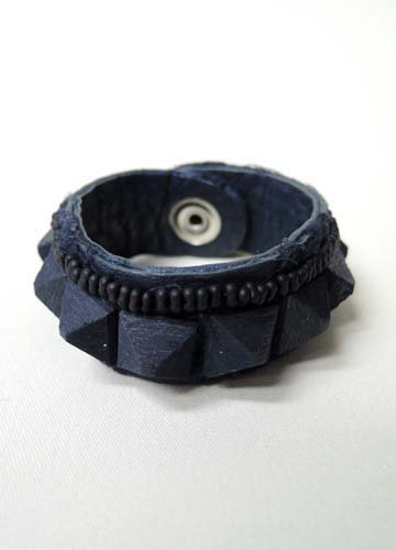 teo / Wood Pyramid studs - Navy