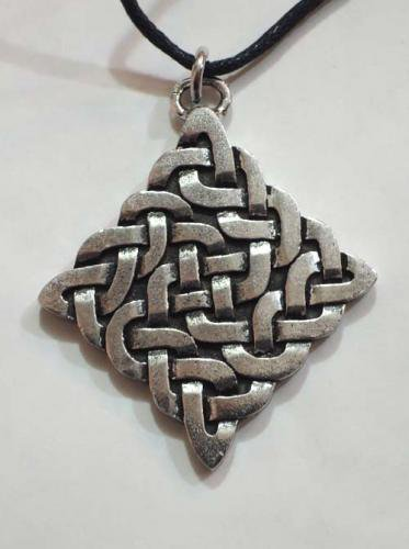 Celtic pendants / Durrow Knot