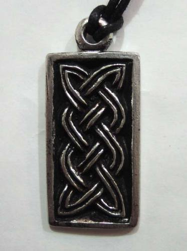 Celtic pendants / The Pictish Knot