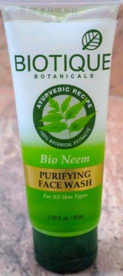 Biotique Neem face wash 50ml  アーユルヴェーダ バイオティック ニームフェイスウォッシュ(洗顔ジェル)/バ…