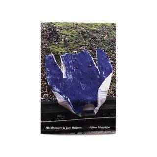innen books / Nora Halpern & Zuni Halpern (Zurich, Switzerland) Pillow Mountain<img class='new_mark_img2' src='https://img.shop-pro.jp/img/new/icons5.gif' style='border:none;display:inline;margin:0px;padding:0px;width:auto;' />