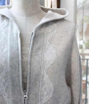 <img class='new_mark_img1' src='https://img.shop-pro.jp/img/new/icons1.gif' style='border:none;display:inline;margin:0px;padding:0px;width:auto;' />【Last 1点!】Elen Lace Cashmere Hoodie