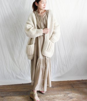 <img class='new_mark_img1' src='https://img.shop-pro.jp/img/new/icons1.gif' style='border:none;display:inline;margin:0px;padding:0px;width:auto;' />入荷!!Roquie【ivory】