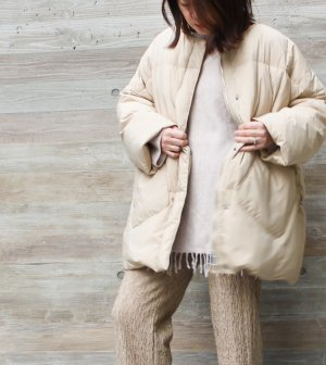 <img class='new_mark_img1' src='https://img.shop-pro.jp/img/new/icons1.gif' style='border:none;display:inline;margin:0px;padding:0px;width:auto;' />Duck down Quilt Jacket 【Beige】