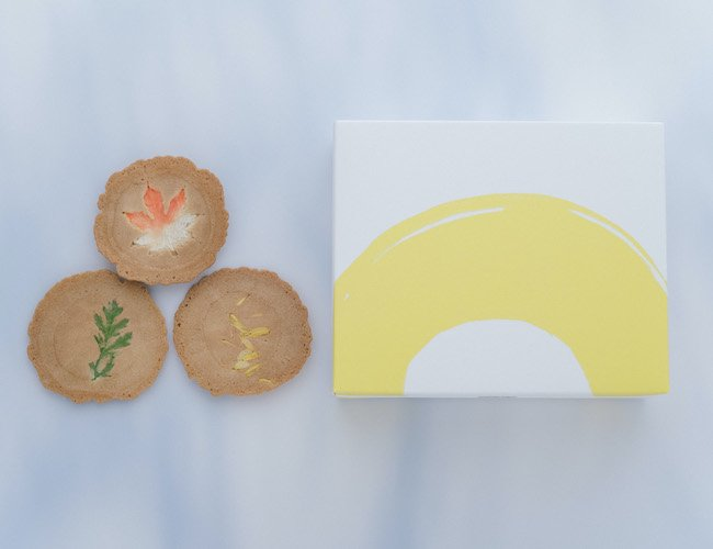 季節煎餅「菊秋花」