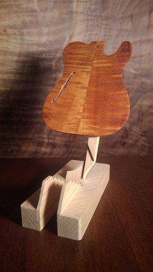 ギターモバイルフォンスタンド TELECASTERタイプ THINLINE/カーリーコア