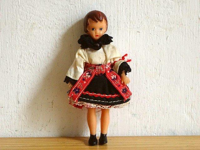 ○●東ドイツ製 アリドール⑬ 民族衣装の女性●○
