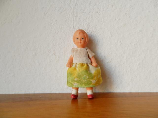 東ドイツ製 アリドール 女の子1