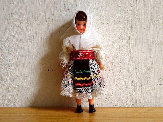 ○●東ドイツ製 アリドール㉓ 民族衣装の女性●○