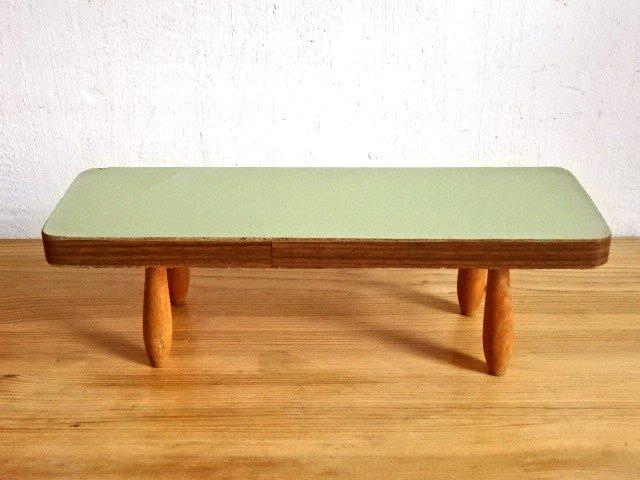 ○●木製の小さな飾り台●○
