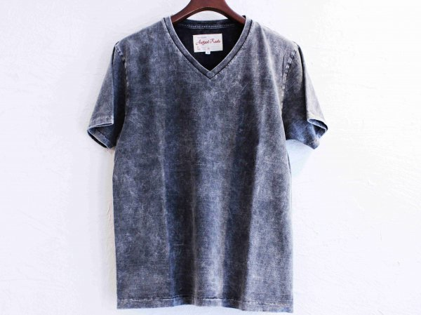 Classic V-neck Tee 【CHEMICAL】 / August Roots