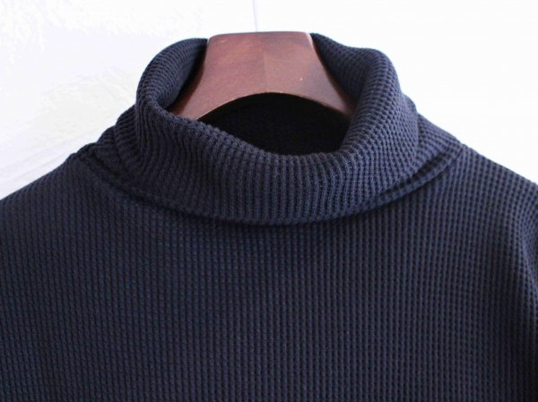 Act Thermal Turtle Neck 【BLACK】 / August Roots