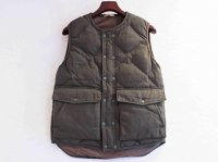 NO COLLAR QUILT DOWN VEST 【OLIVE】 / LAMOND<img class='new_mark_img2' src='//img.shop-pro.jp/img/new/icons1.gif' style='border:none;display:inline;margin:0px;padding:0px;width:auto;' />
