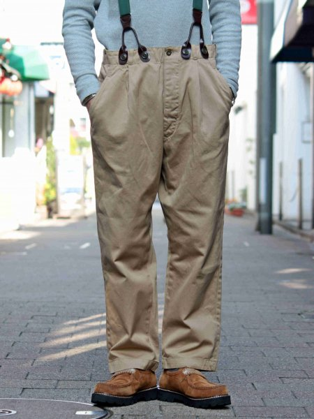 GREESE TUCK CHINO 【BEIGE】 / Nasngwam. ナスングワム
