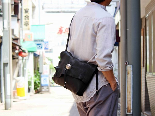 SHOLDER BAG(DEER) 【BLACK】 / early morning