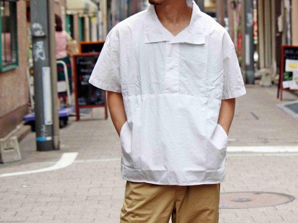 POOL SIDE【WHITE】 / necessary or unnecessary ネセサリーオアアンネセサリー NOUN ナウン