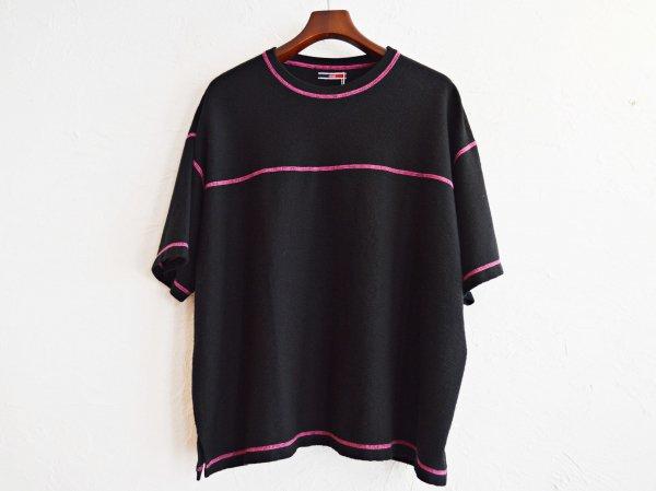 STTICH TEE 【BLACK】 / ionoi