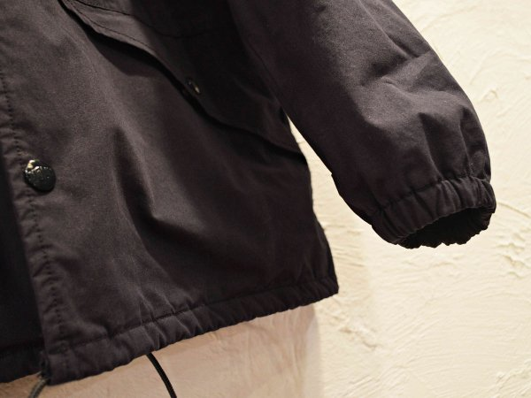 ZIP COACH 【NAVY】 / NECESSARY or UNNECESSARY