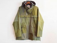 CREVASSE PARKA【ARMY】 / NASNGWAM<img class='new_mark_img2' src='//img.shop-pro.jp/img/new/icons1.gif' style='border:none;display:inline;margin:0px;padding:0px;width:auto;' />